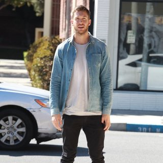 Calvin Harris Shops for An Oriental Rug