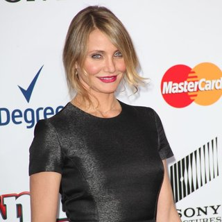 Cameron Diaz in New York Premiere of Annie - Arrivals