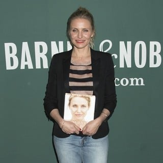 Cameron Diaz Signs Copies of The Longevity Book