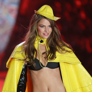 Cameron Russell in The 2012 Victoria's Secret Fashion Show - Inside