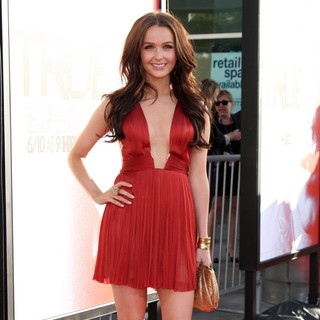 Camilla Luddington in Los Angeles Premiere for The Fifth Season of HBO's Series True Blood - Arrivals