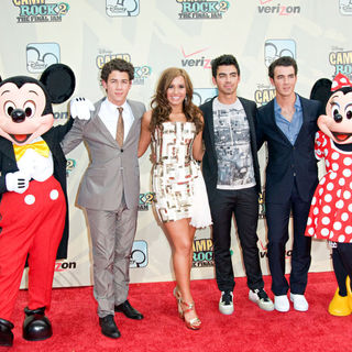 Jonas Brothers, Nick Jonas, Demi Lovato, Joe Jonas, Kevin Jonas in World Premiere of 'Camp Rock 2: The Final Jam'