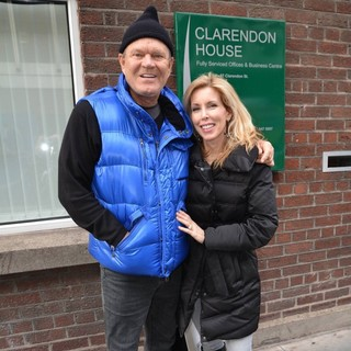 Glen Campbell, Kim Woollen in Glen Campbell Spotted Walking with Kim Woolen