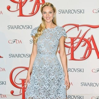 Candice Swanepoel in 2012 CFDA Fashion Awards - candice-swanepoel-2012-cfda-fashion-awards-01