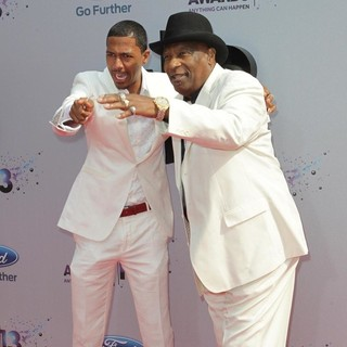 Nick Cannon, James Cannon in The 2013 BET Awards - Arrivals
