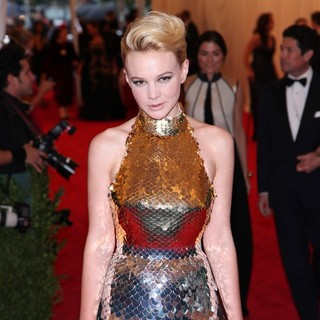Carey Mulligan in Schiaparelli and Prada Impossible Conversations Costume Institute Gala