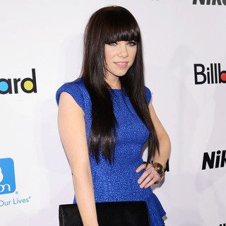 Carly Rae Jepsen in 2012 Billboard Women in Music Luncheon - Arrivals
