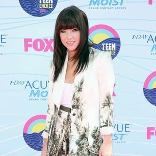 Carly Rae Jepsen in The 2012 Teen Choice Awards - Arrivals