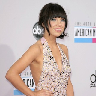 Carly Rae Jepsen in The 40th Anniversary American Music Awards - Arrivals