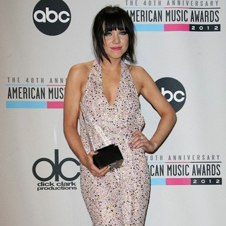 Carly Rae Jepsen in The 40th Anniversary American Music Awards - Press Room - carly-rae-jepsen-40th-anniversary-american-music-awards-press-room-05