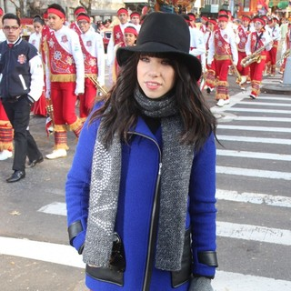 Carly Rae Jepsen in 86th Annual Macy's Thanksgiving Day Parade - carly-rae-jepsen-86th-annual-macy-s-thanksgiving-day-parade-04