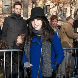 Carly Rae Jepsen in 86th Annual Macy's Thanksgiving Day Parade - carly-rae-jepsen-86th-annual-macy-s-thanksgiving-day-parade-08