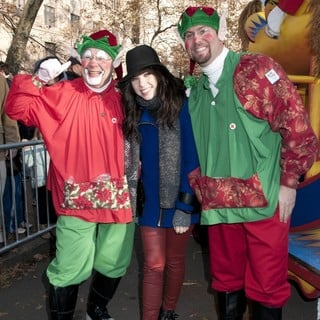 Carly Rae Jepsen in 86th Annual Macy's Thanksgiving Day Parade - carly-rae-jepsen-86th-annual-macy-s-thanksgiving-day-parade-09