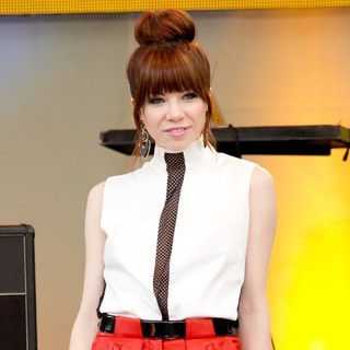 Carly Rae Jepsen in Carly Rae Jepsen Performs Live as Part of Good Morning America's 2013 Summer Concert Series