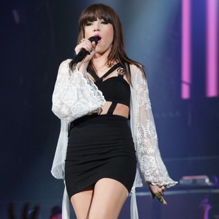 Carly Rae Jepsen in Carly Rae Jepsen Supports Justin Bieber on His Believe Tour