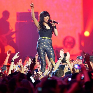 Carly Rae Jepsen in The MTV EMA's 2012 - Show