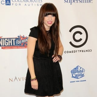 Carly Rae Jepsen in Comedy Central's Night of Too Many Stars: America Comes Together for Autism Programs - Arrivals