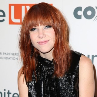 Carly Rae Jepsen Headlines UniteLIVE: The Concert to Rock Out Bullying - carly-rae-jepsen-unitelive-the-concert-to-rock-out-bullying-02