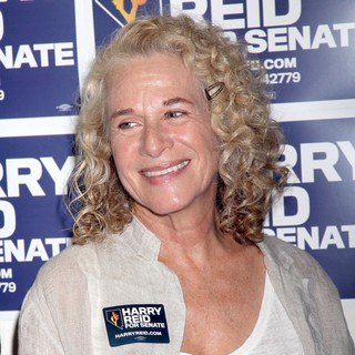 Carole King in Senator Harry Reid's Campaign Headquarters to Kick Off Volunteer Day of Action