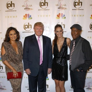 Tia Carrere, Donald Trump, Dayana Mendoza, Arsenio Hall in 2012 Miss USA Pageant - Red Carpet