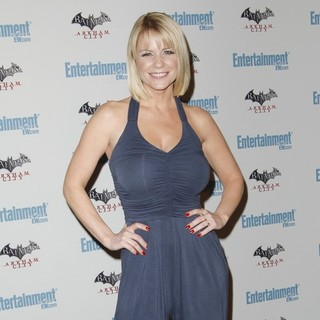 Carrie Keagan in Comic Con 2011 Day 3 - Entertainment Weekly Party - Arrivals