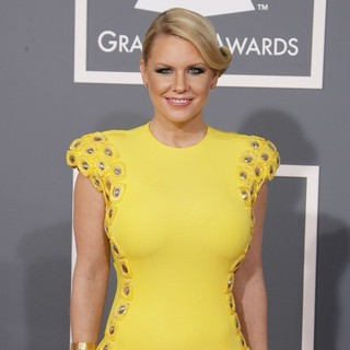 Carrie Keagan in 55th Annual GRAMMY Awards - Arrivals