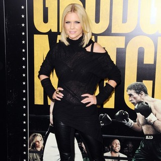 Carrie Keagan in Grudge Match New York Screening - Red Carpet Arrivals