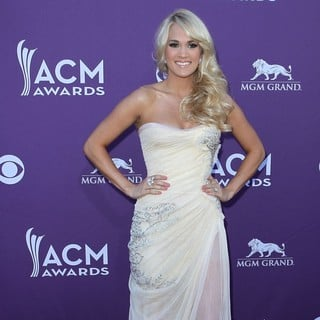 Carrie Underwood in 2012 ACM Awards - Arrivals
