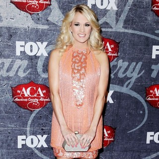 Carrie Underwood in 2012 American Country Awards - Arrivals