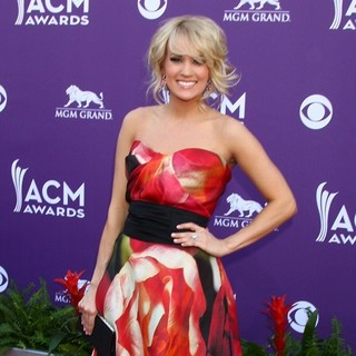 Carrie Underwood in 48th Annual ACM Awards - Arrivals