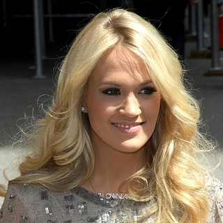 Carrie Underwood in Celebrities Arrive at The Ed Sullivan Theater for The Late Show with David Letterman