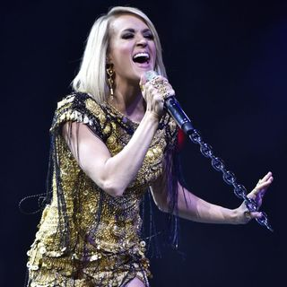 Carrie Underwood - Carrie Underwood Performs Live During The Storyteller Tour