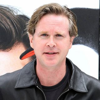 Cary Elwes in Premiere Mr. Popper's Penguins