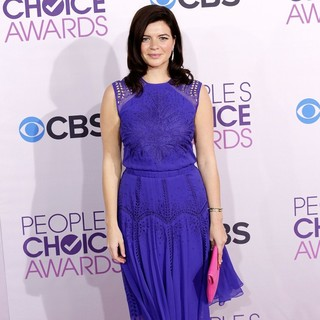 Casey Wilson in People's Choice Awards 2013 - Red Carpet Arrivals
