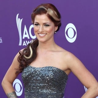 Hey Monday in 48th Annual ACM Awards - Arrivals - cassadee-pope-48th-annual-acm-awards-03