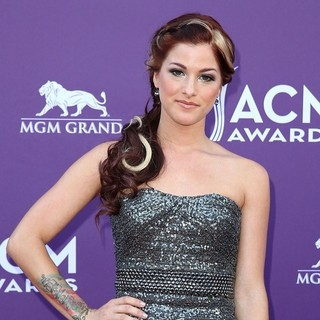 Hey Monday in 48th Annual ACM Awards - Arrivals - cassadee-pope-48th-annual-acm-awards-04