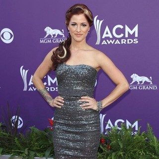 Hey Monday in 48th Annual ACM Awards - Arrivals - cassadee-pope-48th-annual-acm-awards-05