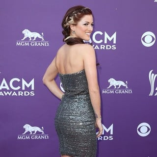Hey Monday in 48th Annual ACM Awards - Arrivals - cassadee-pope-48th-annual-acm-awards-08