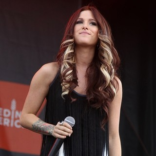 Hey Monday in The ACM Experience - cassadee-pope-acm-experience-07