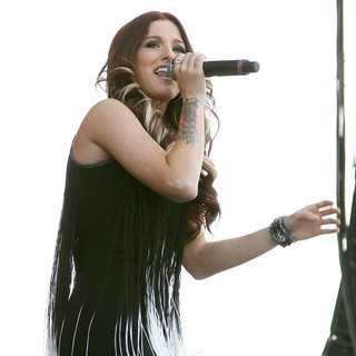 Hey Monday in The ACM Experience - cassadee-pope-acm-experience-10