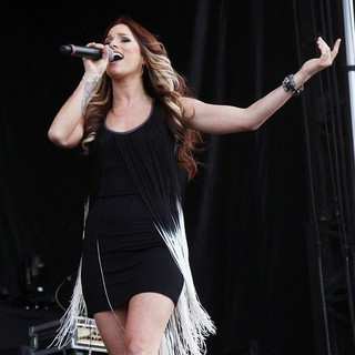 Hey Monday in The ACM Experience - cassadee-pope-acm-experience-12