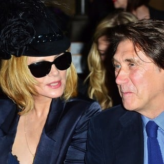 Kim Cattrall, Bryan Ferry in London Fashion Week Spring-Summer 2013 - Philip Treacy - Front Row
