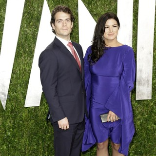 Henry Cavill, Gina Carano in 2013 Vanity Fair Oscar Party - Arrivals