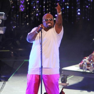 Cee-Lo in Escape to Total Rewards Los Angeles - Performances - cee-lo-escape-to-total-rewards-los-angeles-performances-05