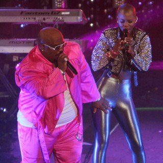 Cee-Lo, Melanie Fiona in Escape to Total Rewards Los Angeles - Performances