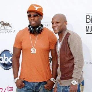 50 Cent, Floyd Mayweather, Jr. in The 2011 Billboard Music Awards - Arrivals