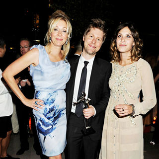 Nadja Swarovski, Christopher Bailey, Alexa Chung in 2010 CFDA Fashion Awards - Arrivals