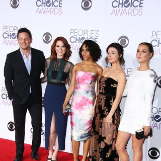 Justin Chambers, Sarah Drew, Kelly McCreary, Caterina Scorsone, Camilla Luddington in People's Choice Awards 2016 - Arrivals
