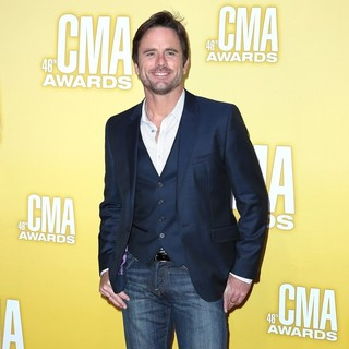 Charles Esten in 46th Annual CMA Awards
