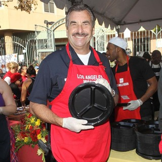 Charlie Beck in The Los Angeles Mission's Thanksgiving for Skid Row Homeless